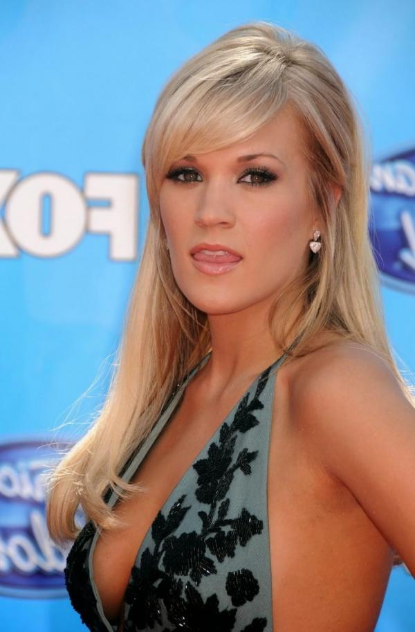 Carrie Underwood Sexy Photos 12