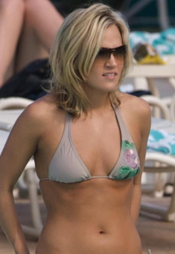Carrie Underwood Sexy Photos 30