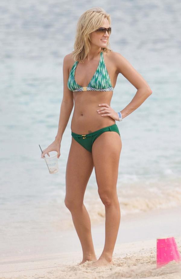 Carrie Underwood Sexy Photos 7