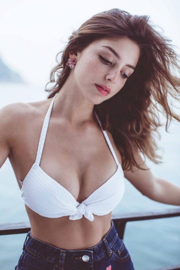 Celine Farach Sexy Photos 17