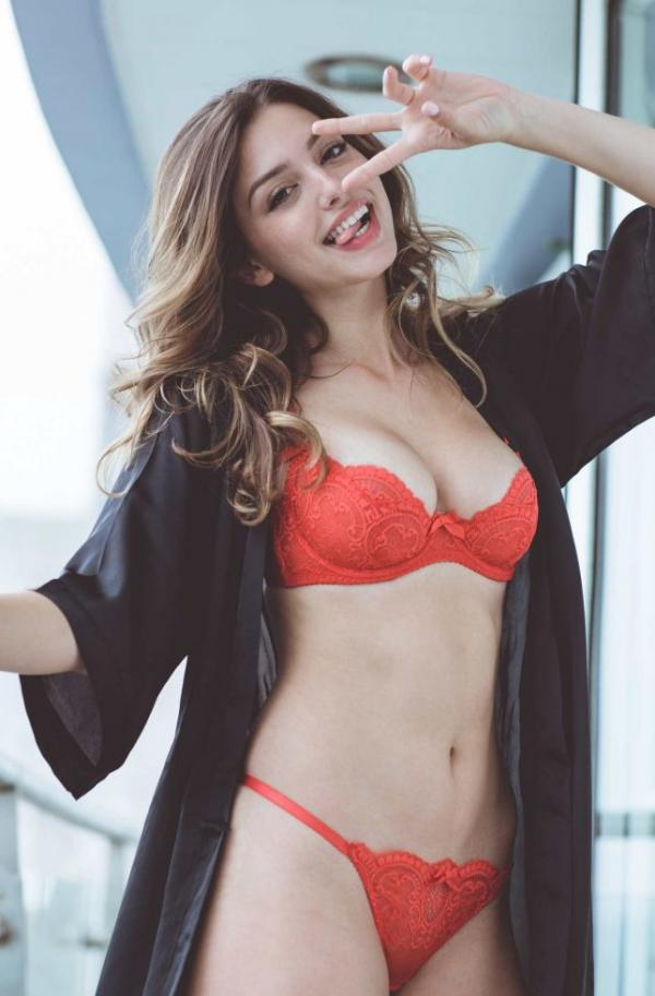 Celine Farach Sexy Photos 25
