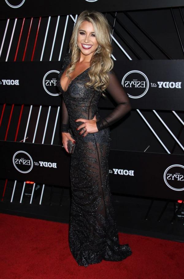 Chelsea Lynn Pezzola  nackt
