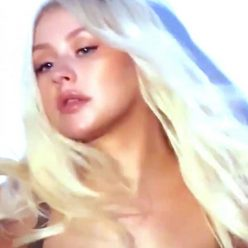 Christina Aguilera Nude Sexy Photos 24