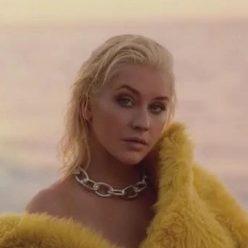 Christina Aguilera Pics