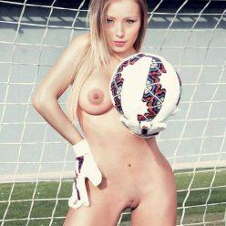 Daniella Chavez Nude Photos 19
