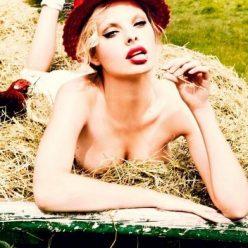 Dioni Tabbers Nude Sexy Photos 41