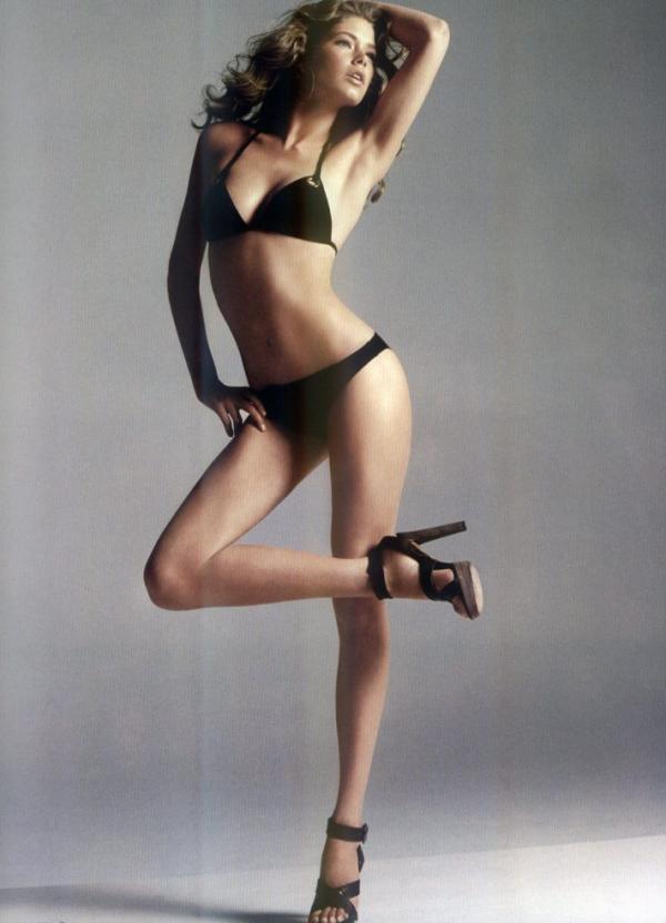 Doutzen Kroes Nude Sexy Pics 16