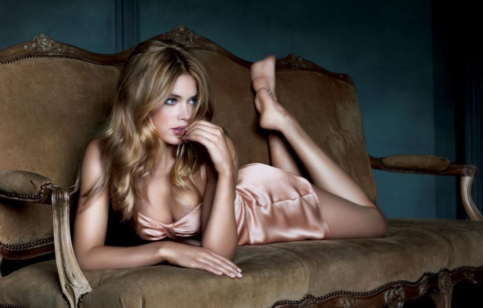 Doutzen Kroes Nude Sexy Pics 36