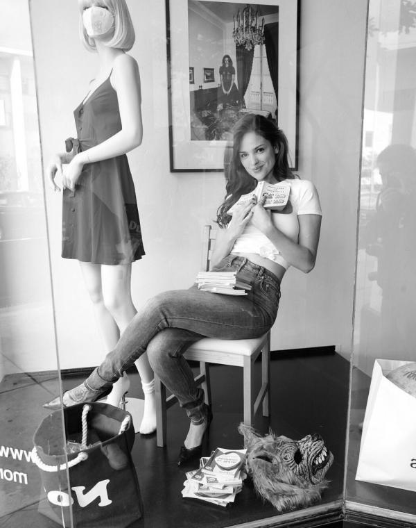 Eiza Gonzalez Sexy Photos 16