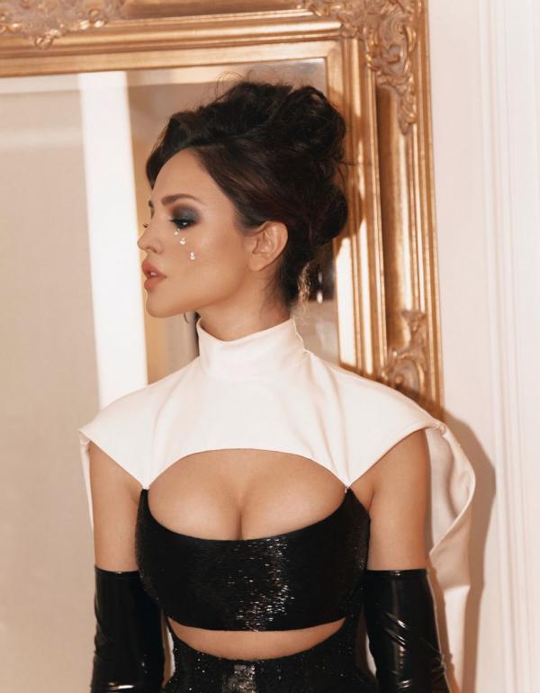 Eiza Gonzalez Sexy Photos 36