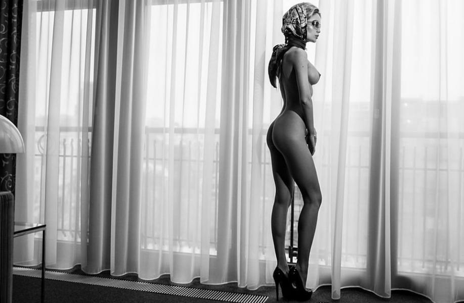 Ekaterina Zueva Nude Sexy Photos 13