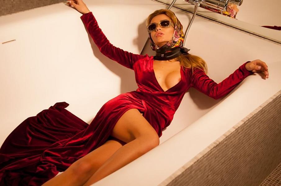 Ekaterina Zueva Nude Sexy Photos 16