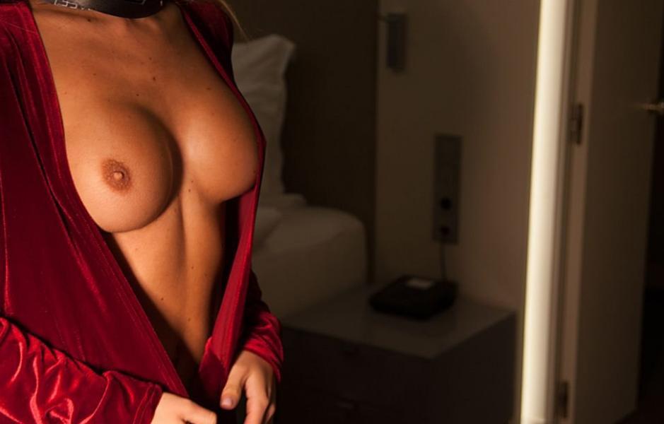 Ekaterina Zueva Nude Sexy Photos 18