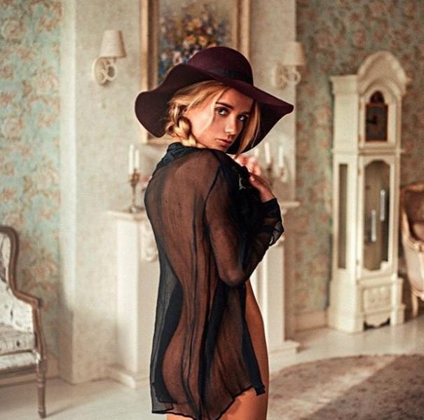 Ekaterina Zueva Nude Sexy Photos 38