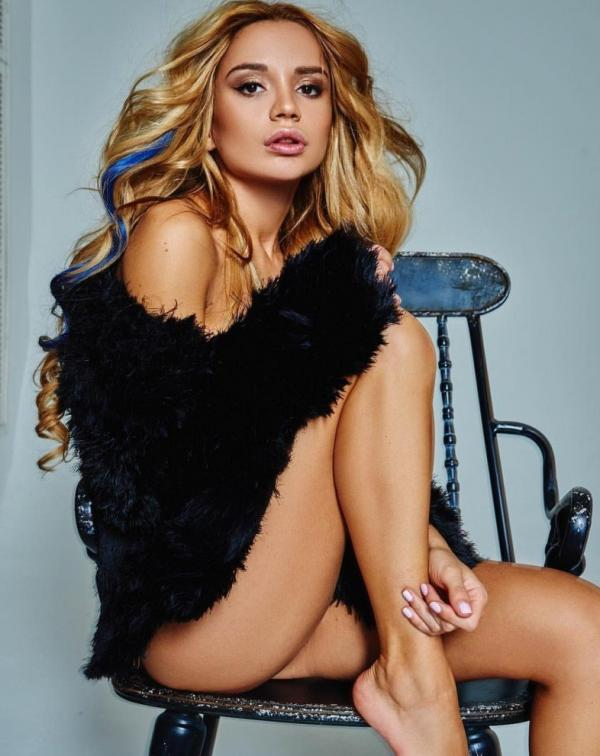 Ekaterina Zueva Nude Sexy Photos 41