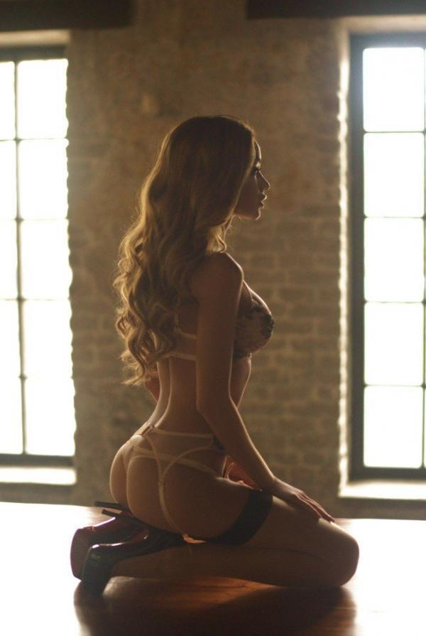 Ekaterina Zueva Nude Sexy Photos 43
