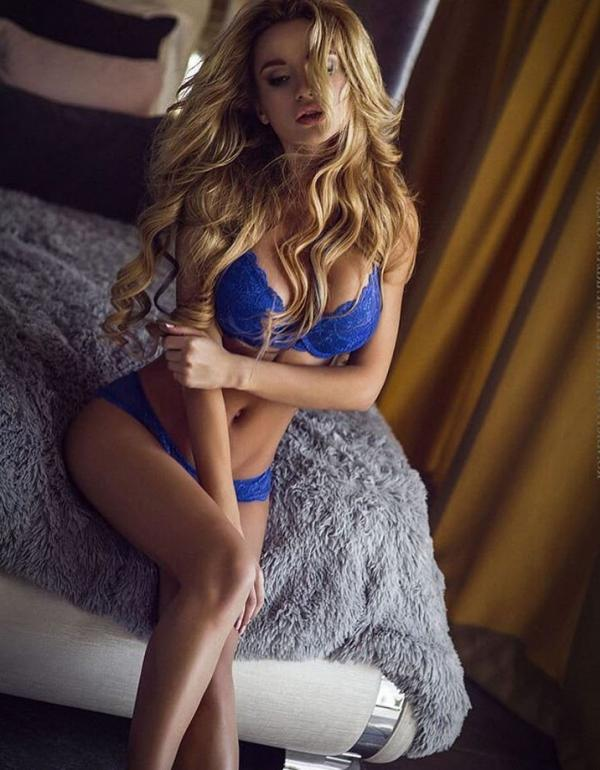 Ekaterina Zueva Nude Sexy Photos 47