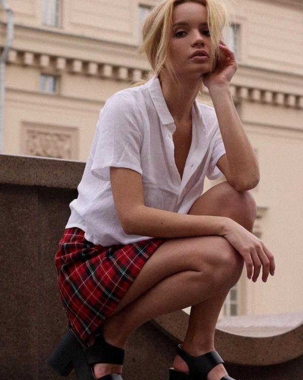 Ekaterina Zueva Nude Sexy Photos 57