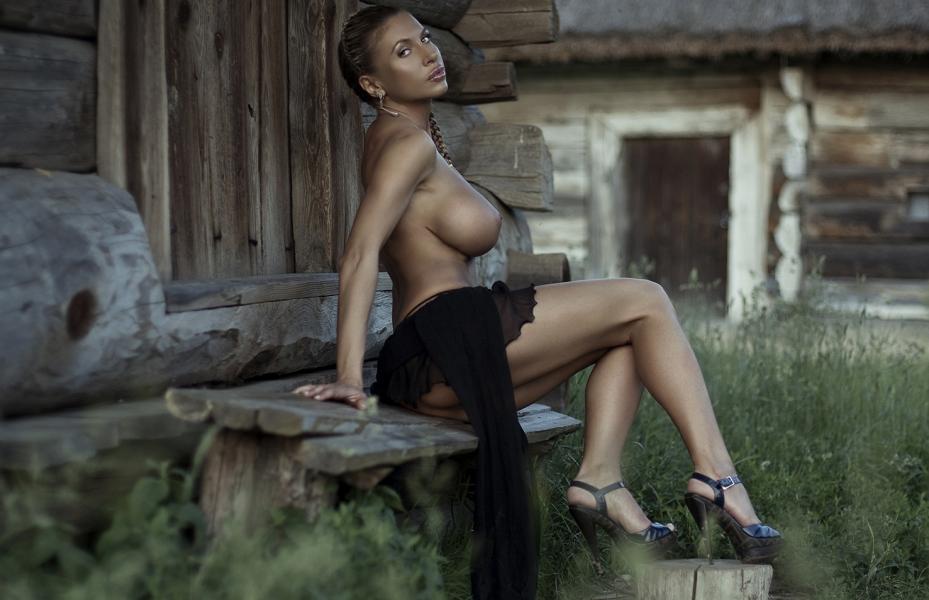 Elina Svetlova Naked Photos 14