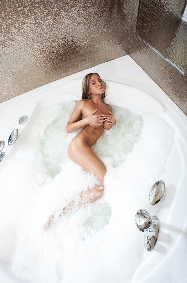 Elina Svetlova Naked Photos 5