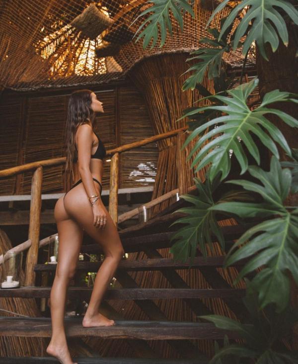 Elisha Herbert Nude Sexy Photos 117
