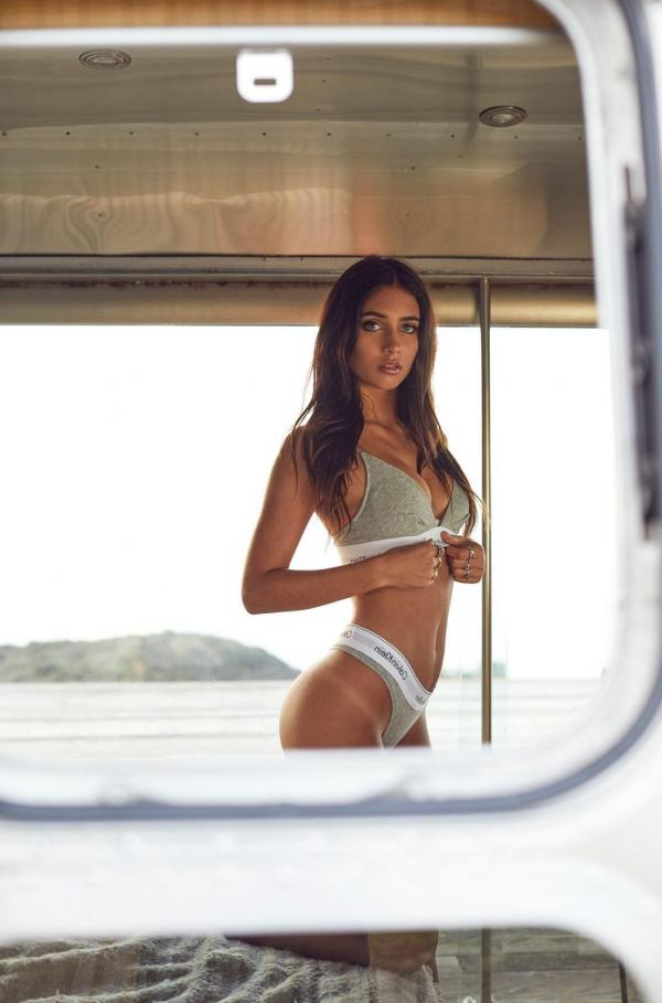 Elisha Herbert Nude Sexy Photos 122