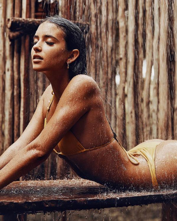 Elisha Herbert Nude Sexy Photos 13