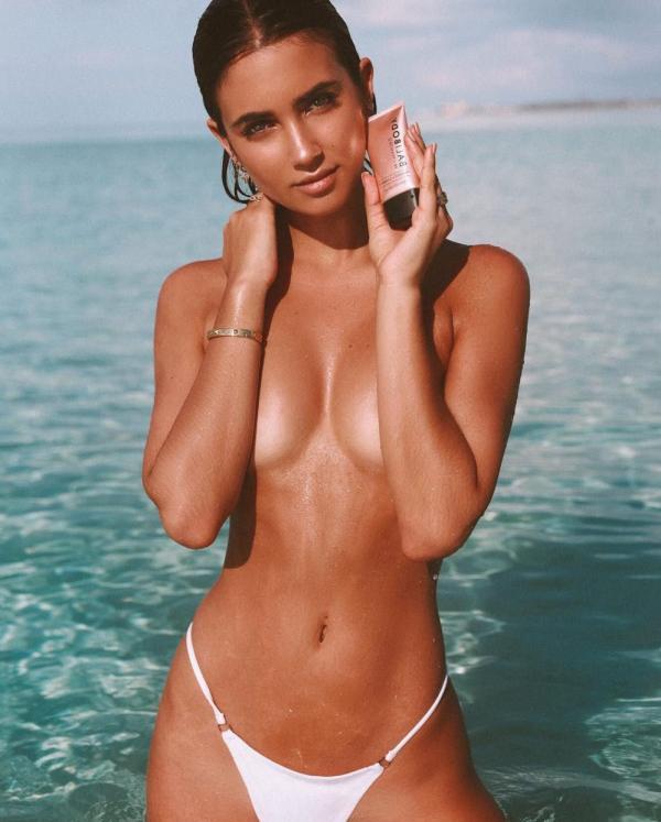 Elisha Herbert Nude Sexy Photos 131