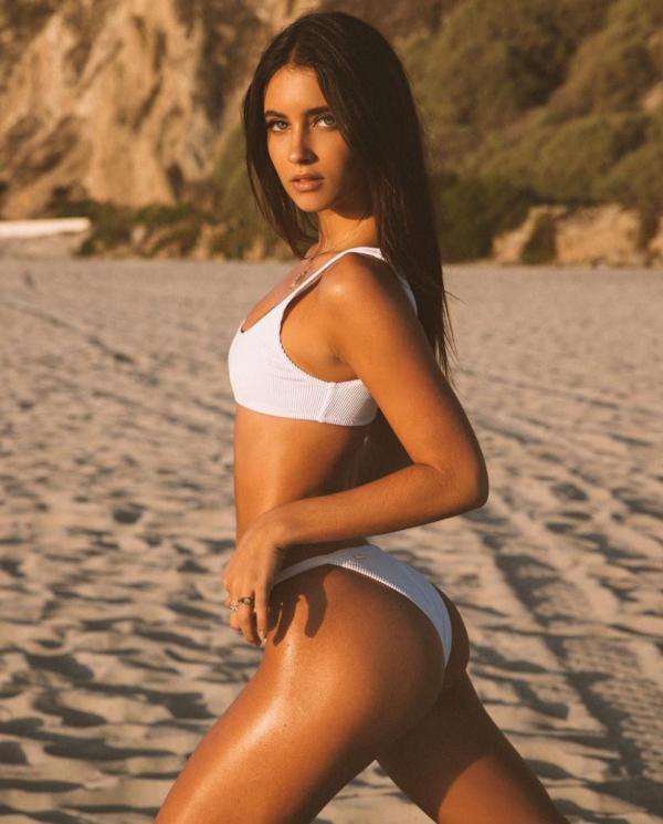 Elisha Herbert Nude Sexy Photos 139