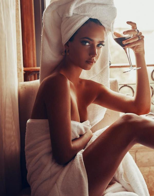 Elisha Herbert Nude Sexy Photos 140