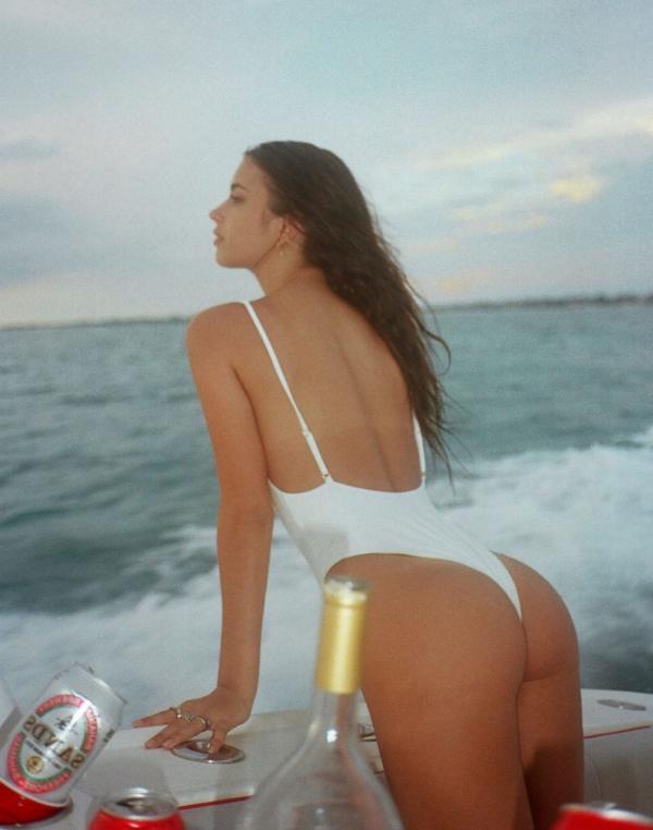 Elisha Herbert Nude Sexy Photos 44
