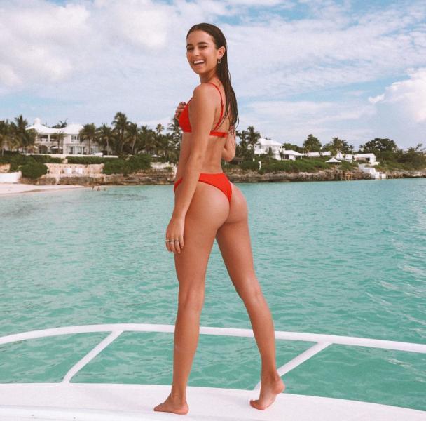 Elisha Herbert Nude Sexy Photos 54