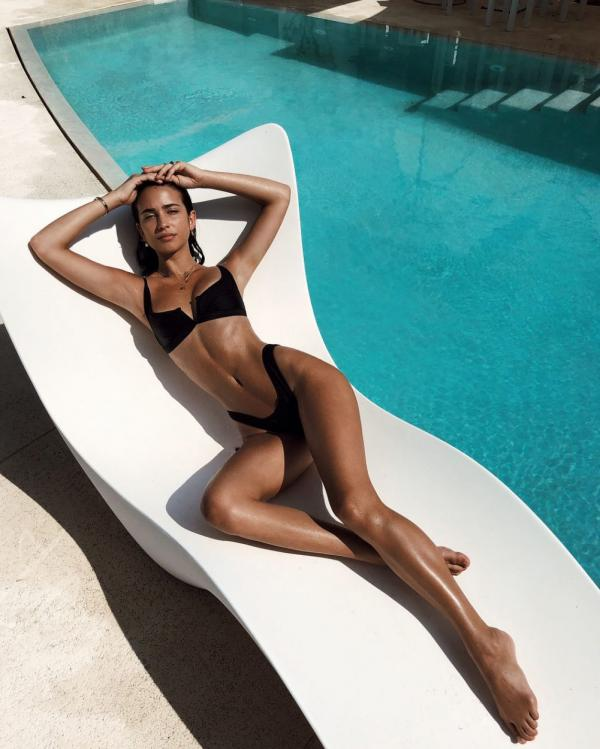 Elisha Herbert Nude Sexy Photos 55