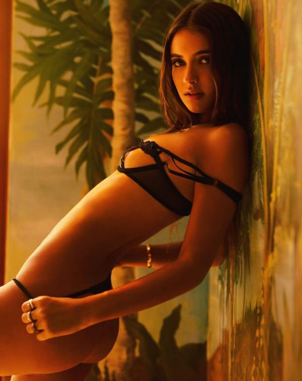 Elisha Herbert Nude Sexy Photos 58