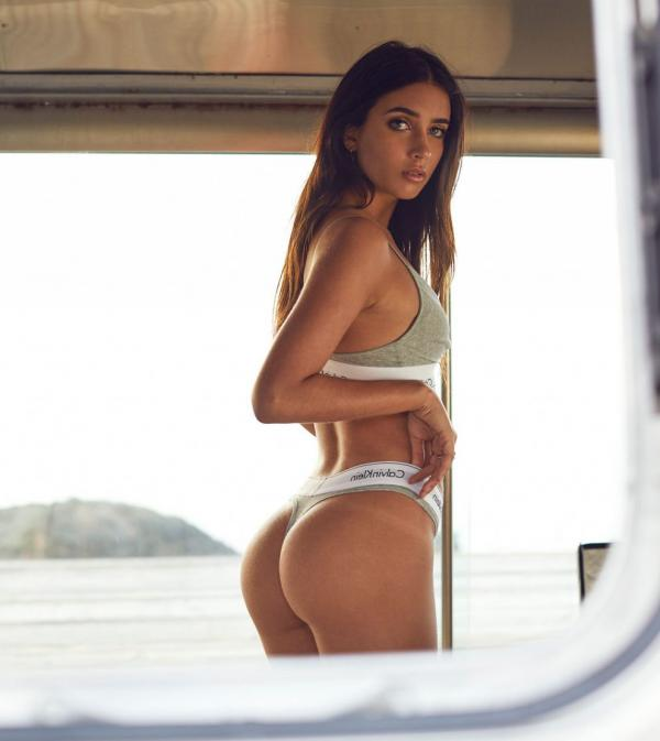 Elisha Herbert Nude Sexy Photos 66