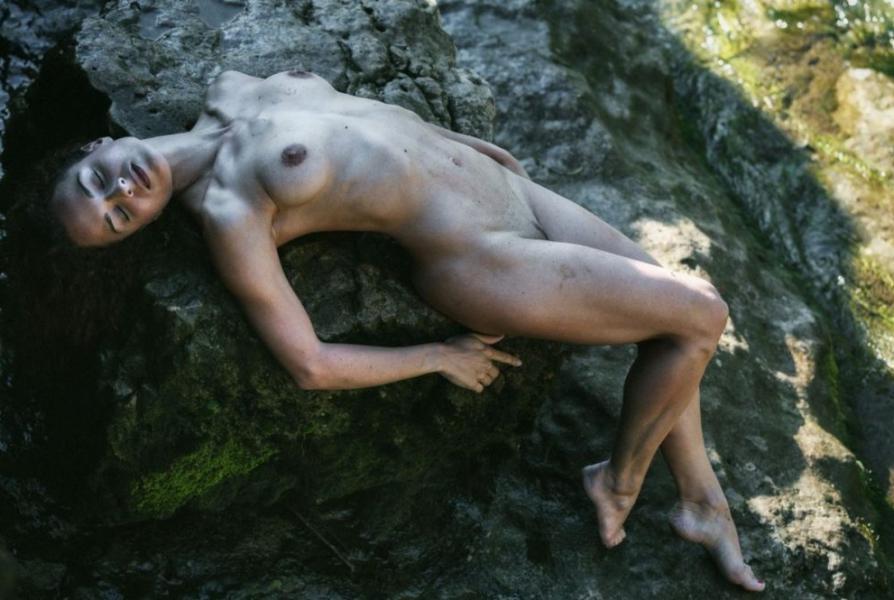 Eliya Aceta Nude Sexy Photos 13