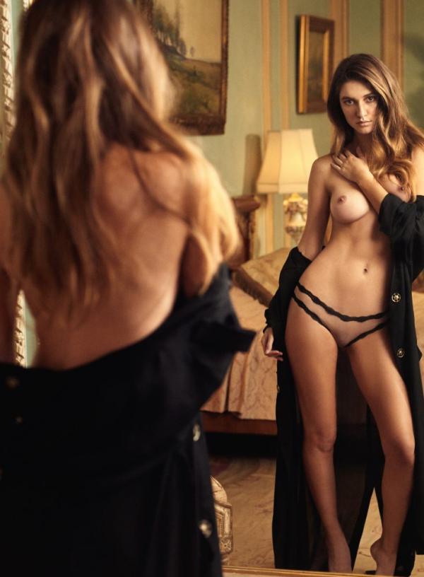 Elizabeth Elam Topless Sexy Photos 7