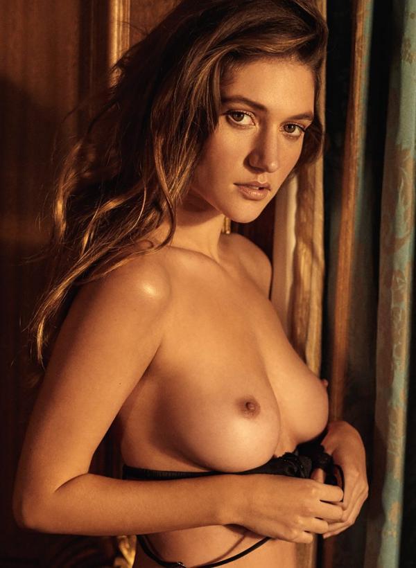 Elizabeth Elam Topless Sexy Photos 9