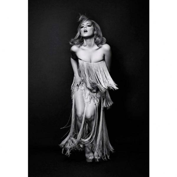 Elizabeth Gillies Images