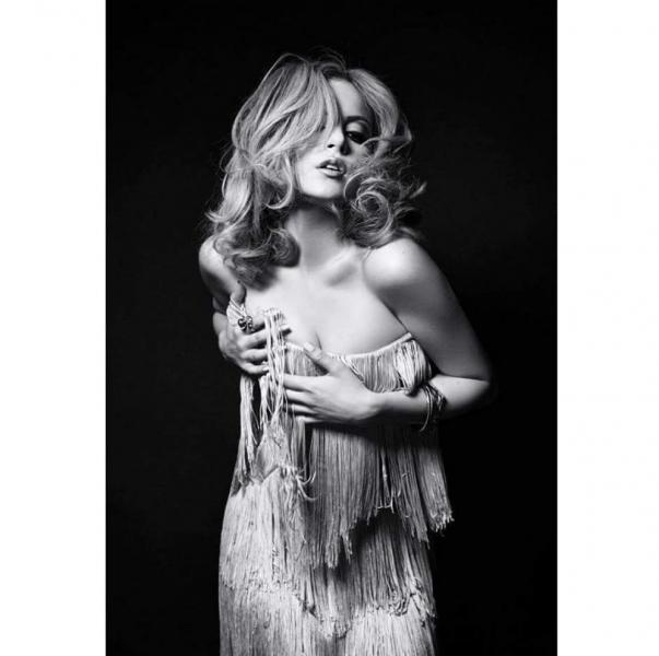 Elizabeth Gillies Sexy Photos 6