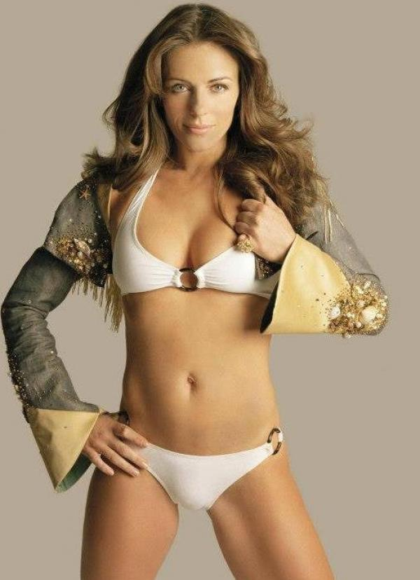 Elizabeth Hurley Naked Photos 10