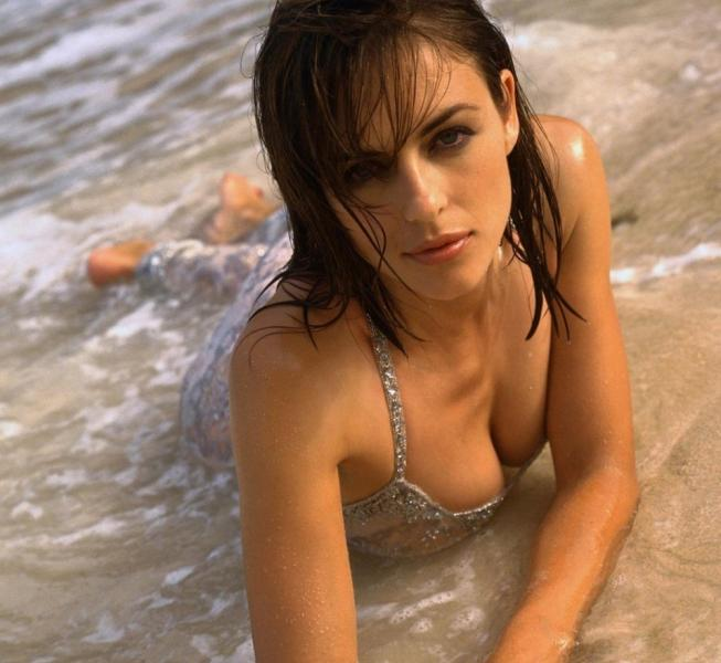Elizabeth Hurley Naked Photos 12