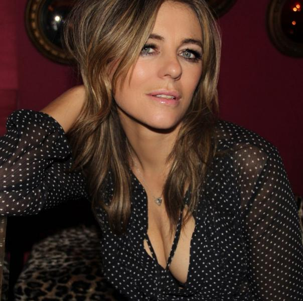 Elizabeth Hurley Sexy Topless Photos 23