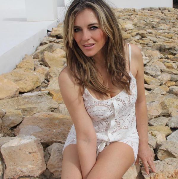 Elizabeth Hurley Sexy Topless Photos 25
