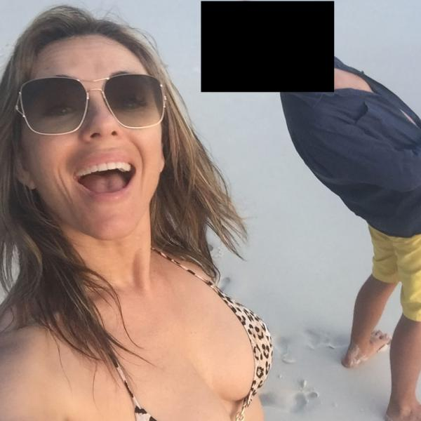 Elizabeth Hurley Sexy Topless Photos 58