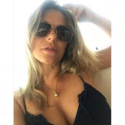 Elizabeth Hurley Sexy Topless Photos 61