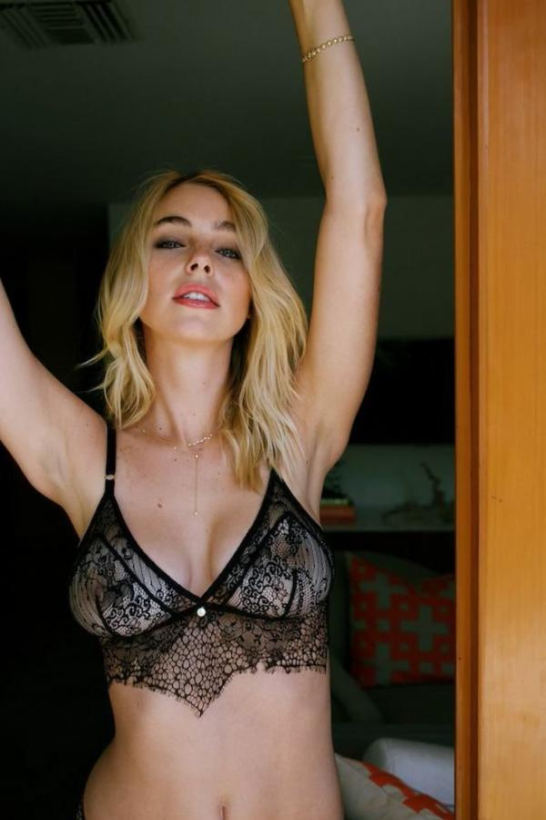 Elizabeth Turner New Private Pics 5