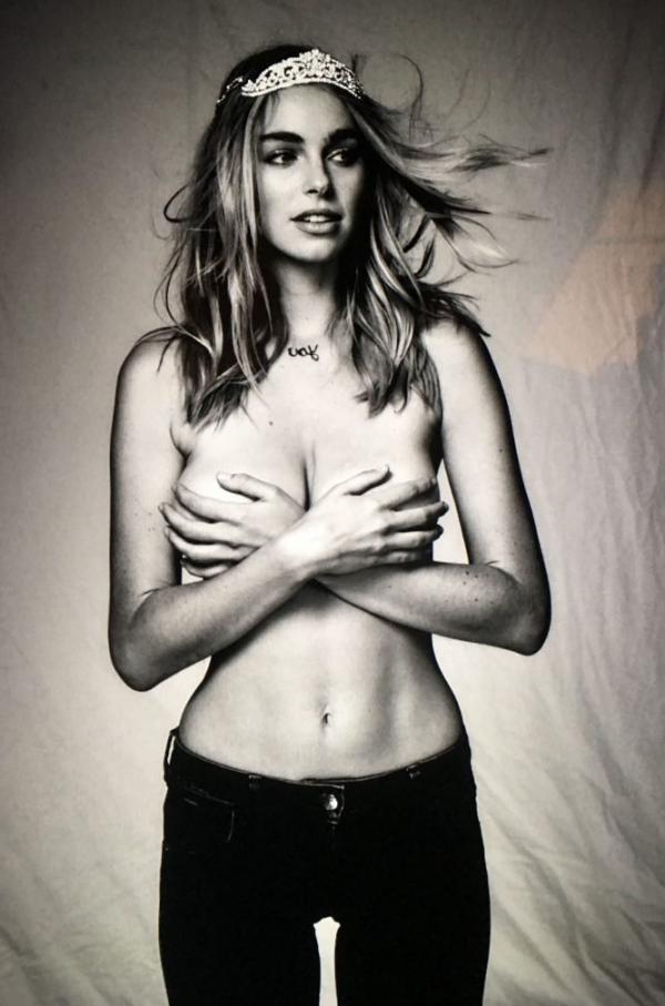 Elizabeth Turner Nude Sexy Photos 10