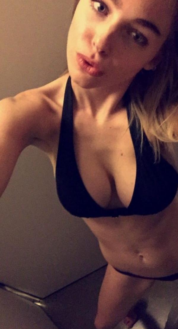 Elizabeth Turner Nude Sexy Photos 43