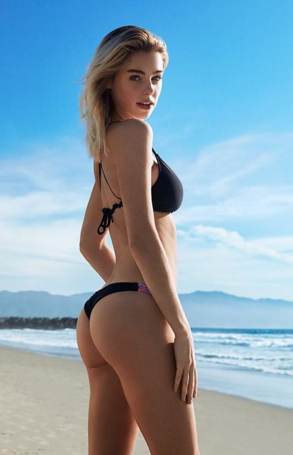 Elizabeth Turner Nude Sexy Photos 59